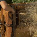 """Tarare ou """"crible à vent"""" pour séparer le grain de la balle, début XXe siècle - Moulin de Sugy"""